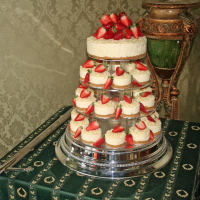 Strawberry Cheesecake Individual Cheescake Wedding Cakes