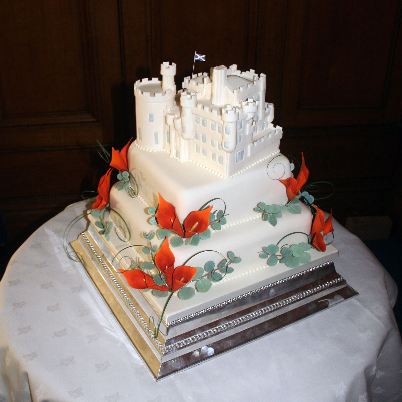 Castle Wedding Cake.Dalhousie Castle Two Tier Wedding Cake Dalhousie Castle Wedidng Cake
