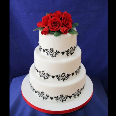 Dramtic Red Roses on a Black Stencilled Wedding Cake