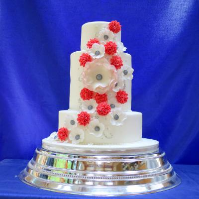 Double height middle tier makes this cake look elegantly tall.