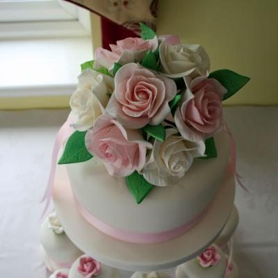 Sugarcraft Roses in Pale Pink and Ivory