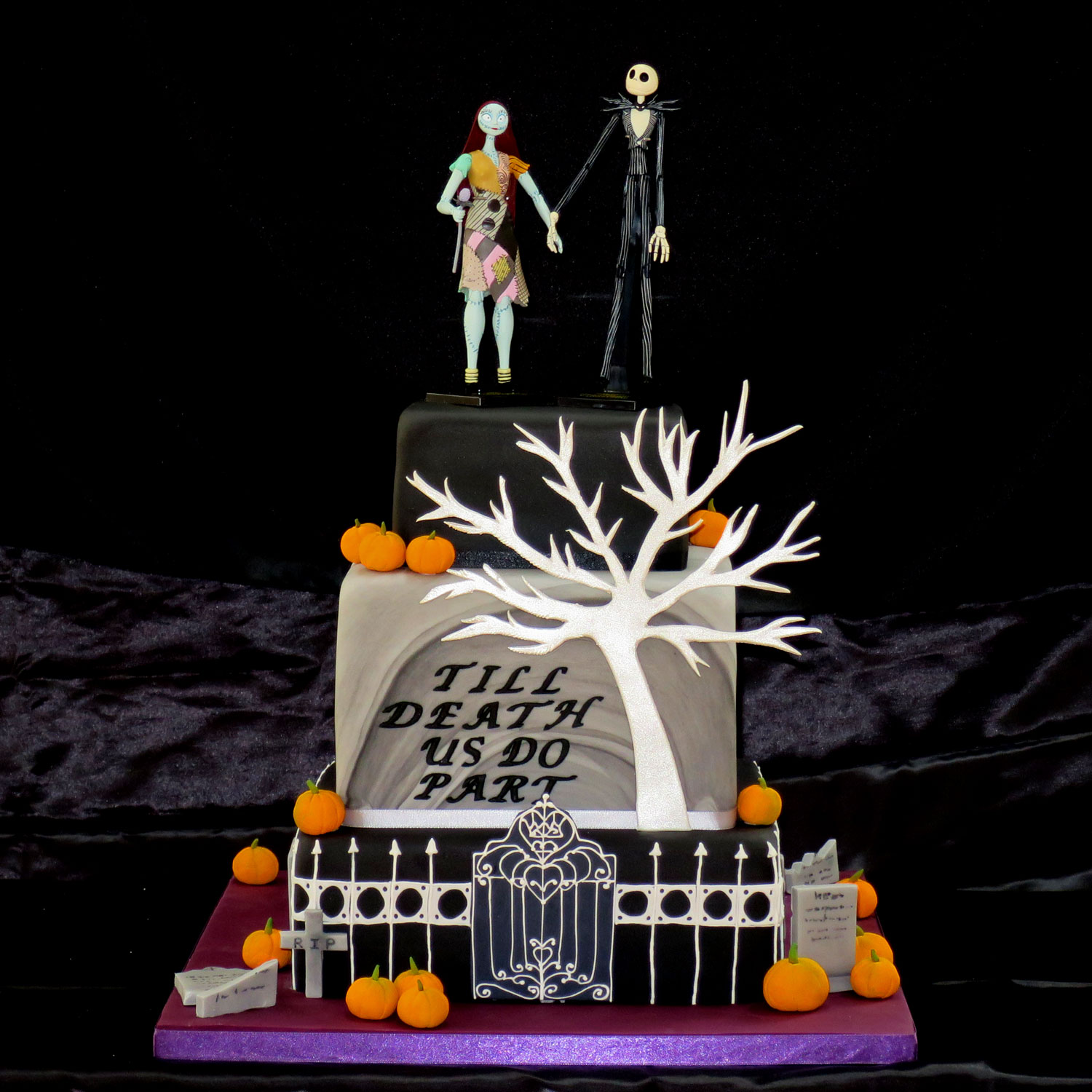 Nightmare Before Christmas Wedding Cake Nightmare Before Christmas ...