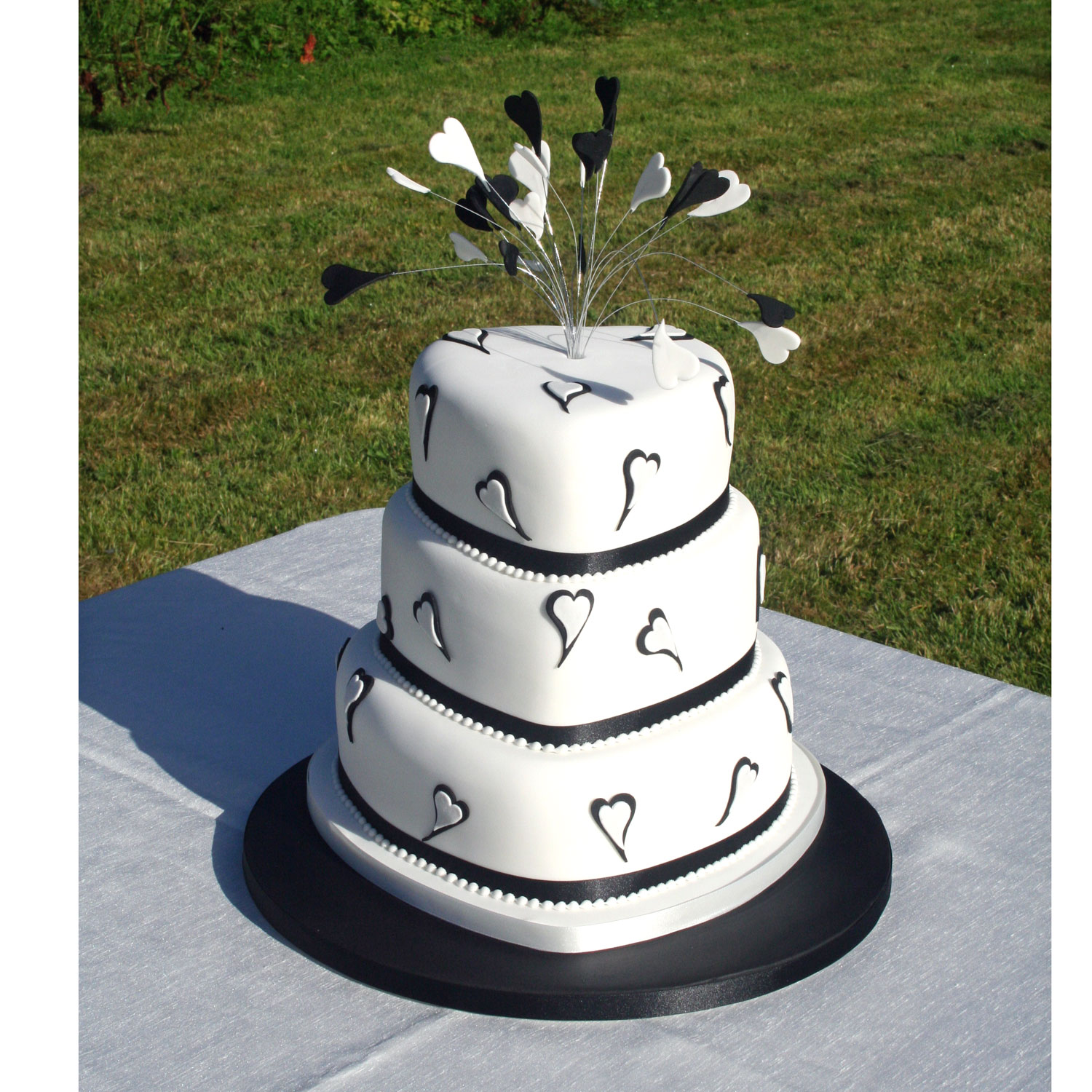 Two For Joy Black And White Wedding Cake 3 Tier Heart Shaped