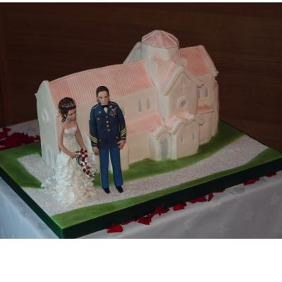Anvil Hall Wedding Cake