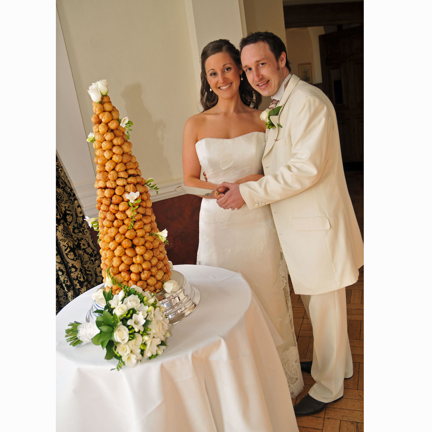 Brigitte and Alastiar cut their Croquembouche