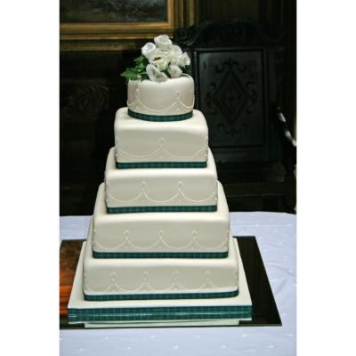5 Tier Wedding Cake at Dundas Castle