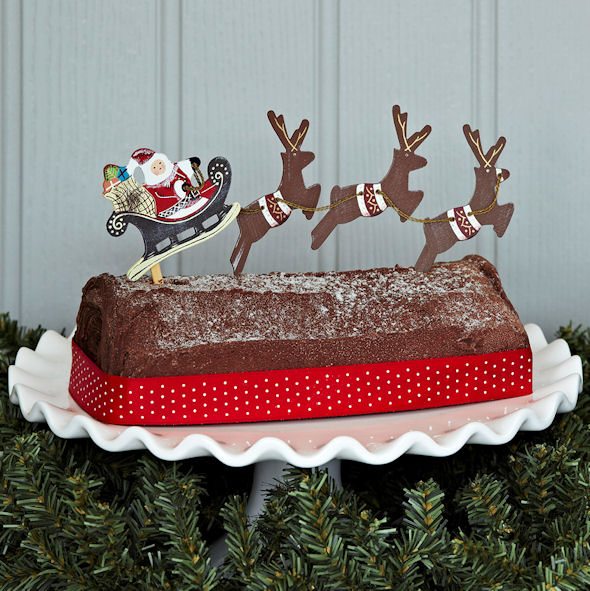 Christmas Cake Ideas Santa : Flying Santa with Reindeer Flying Santa and Reindeer ...