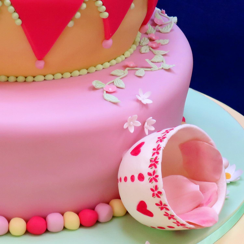 Alice In Wonderland Wedding Cake Alice In Wonderland