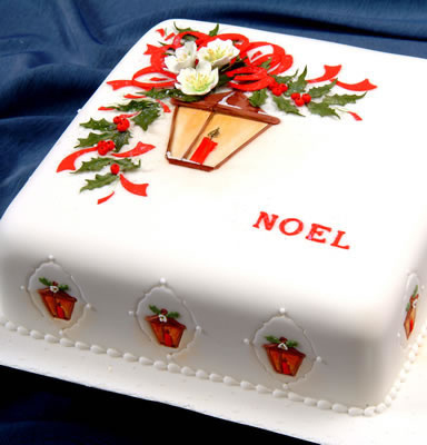 cake decorated with a christmas lantern design