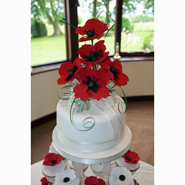 Poppy Rose Cake Design : Poppy Wedding Cupcakes