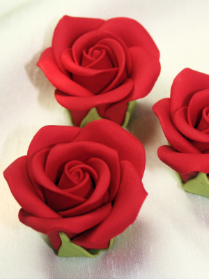 Sugar Rose Cake Design : Large Sugar Roses Large sugar roses available in multiples ...