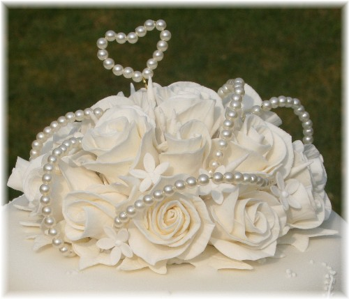 Pearl Embroidery Icing Lace Embroidery Wedding Cakes